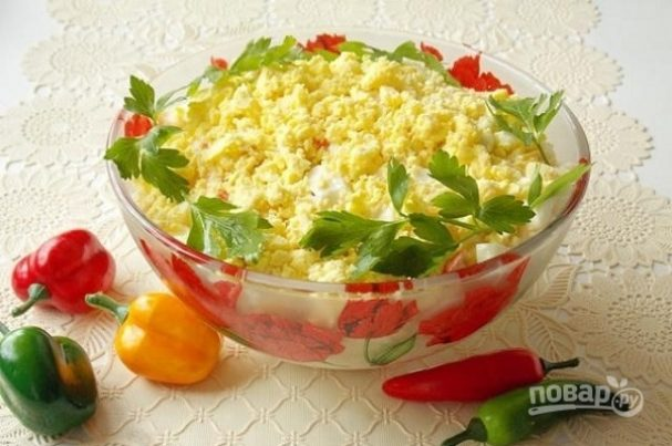 Салат с яйцом и крабовыми палочками