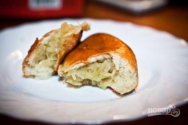 Пирожки с капустой печеные