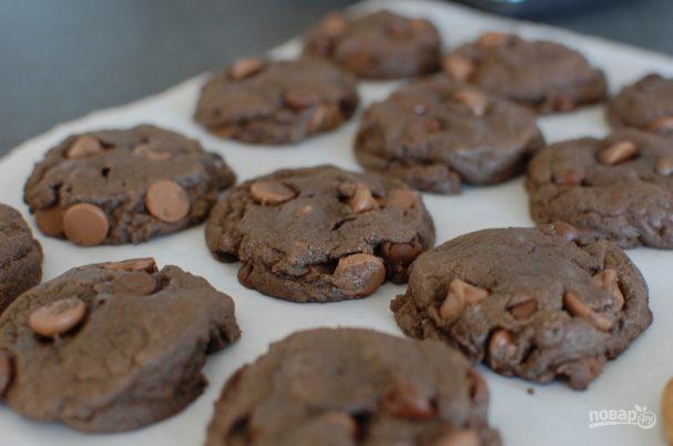 Домашнее шоколадное печенье с кусочками шоколада