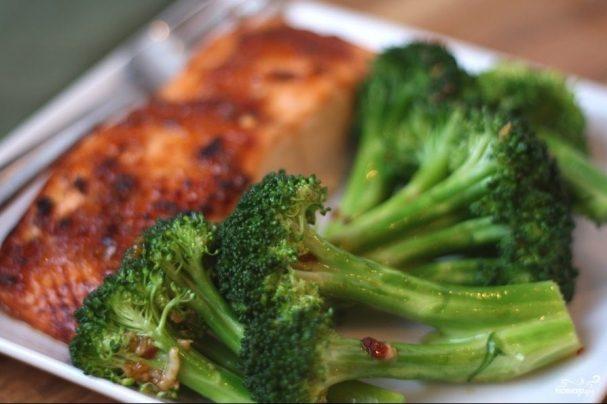 Рыба запеченная с брокколи