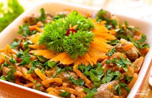 Печеночный салат с морковью и луком