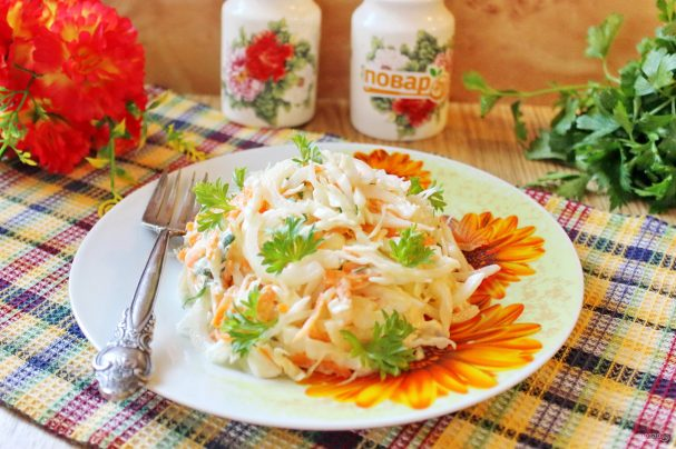Салат из моркови и капусты с майонезом