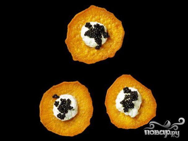 Сладкий картофель с икрой