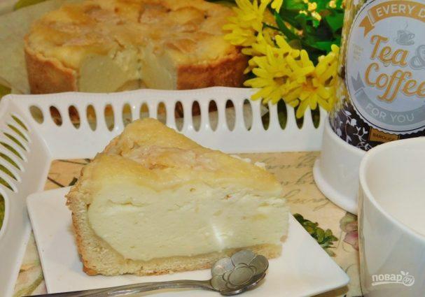 Песочный пирог с яблоками и творогом