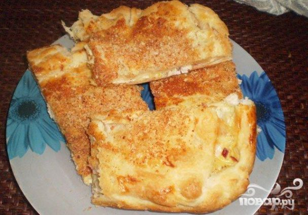 Пирог с курицей и сыром