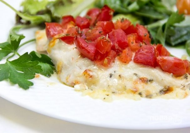 Курица с помидорами и сыром в духовке