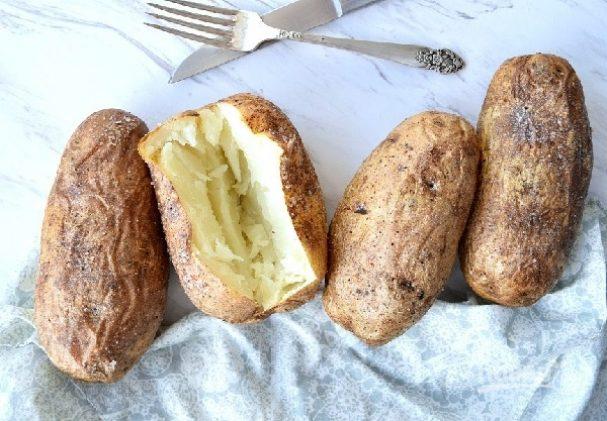 Запеченная картошка в кожуре