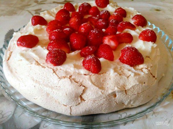 Торт «Павлова» с кремом из рикотты