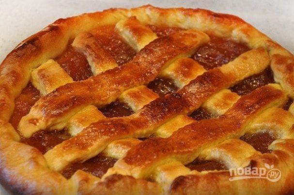 Пирог из дрожжевого теста