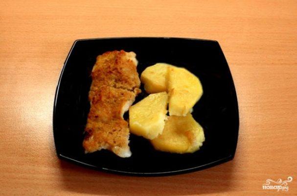 Пангасиус с картофелем в духовке