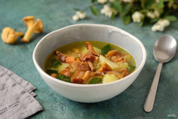 Суп с чечевицей и лисичками