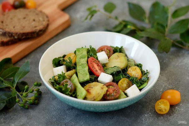 Салат с брюссельской капустой и стручковой фасолью