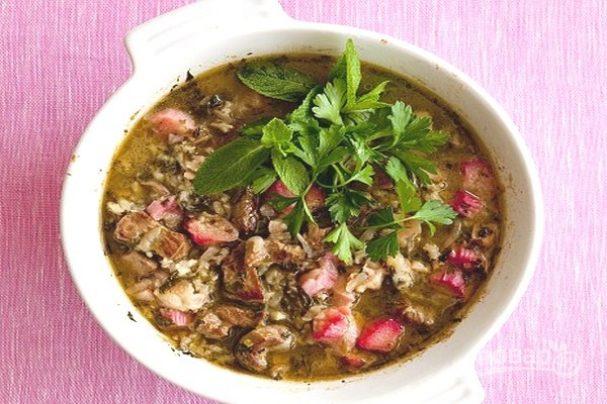 Суп из ревеня с мясом
