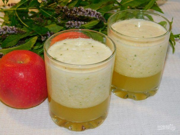 Зеленый чай с дыней и яблоком