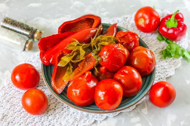Соленые помидоры с перцем