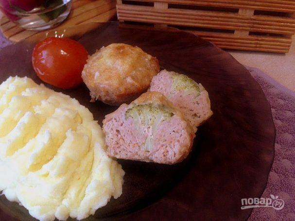 Мясные кексы с брокколи