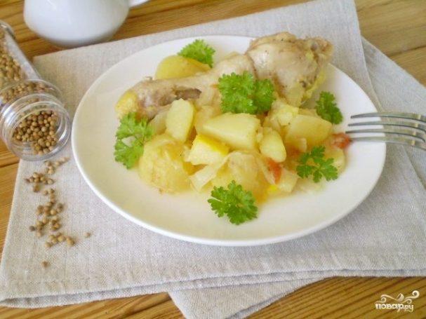 Курица с картошкой и овощами в мультиварке