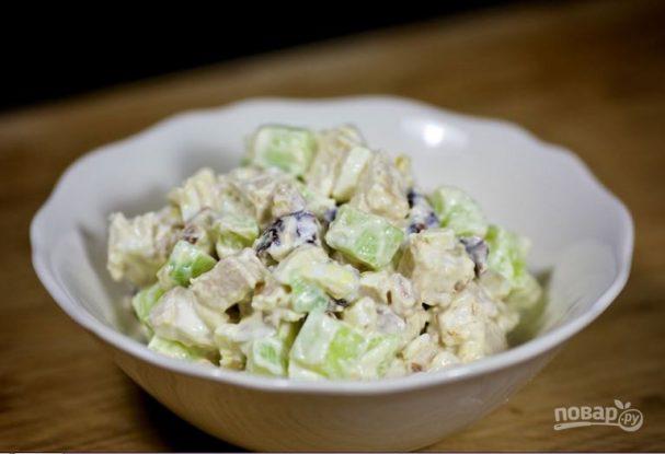 Рецепт салата из курицы с черносливом