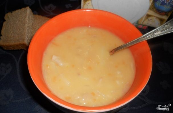 Гороховый суп со свиными ребрышками