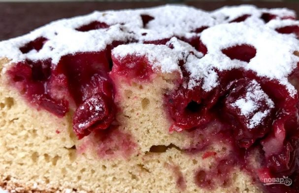 Очень простой вишневый пирог