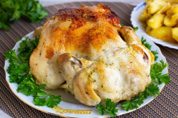 Курица в духовке целиком в рукаве