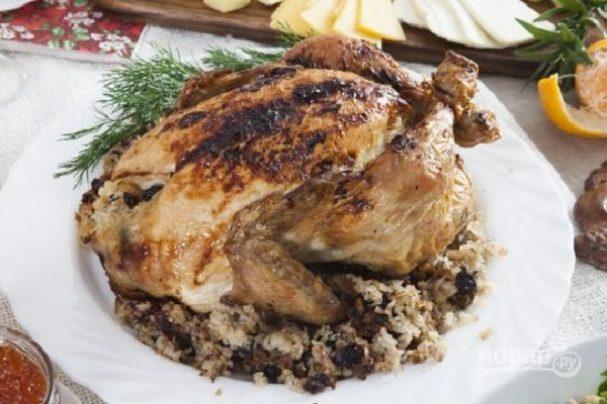 Курица, фаршированная рисом и сухофруктами