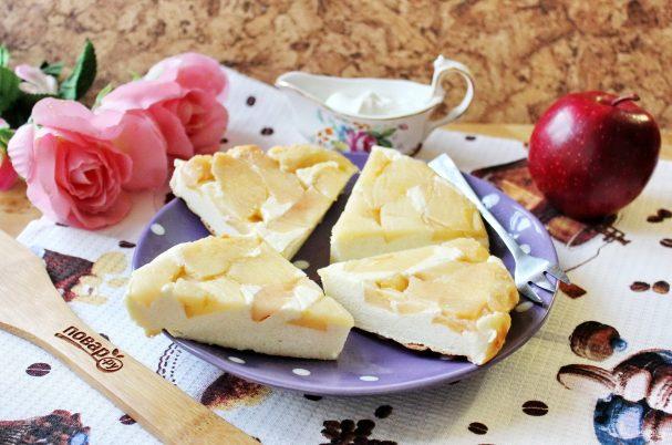 Творожная запеканка с яблоками и манкой
