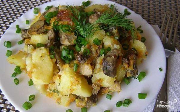Тушеный картофель с замороженными грибами