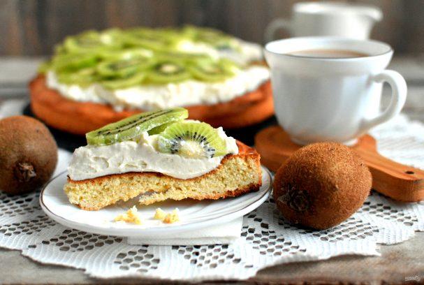 Пирог с  творогом и киви