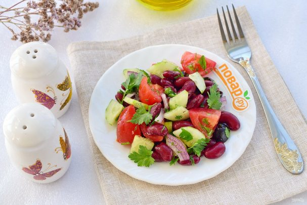 Иберийский салат из красной фасоли