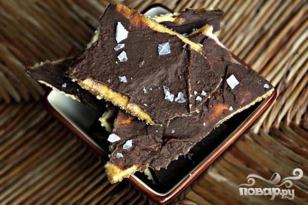 Крекеры с шоколадом и карамелью