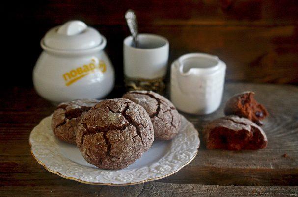 Шоколадное печенье с эспрессо и сахарной глазурью