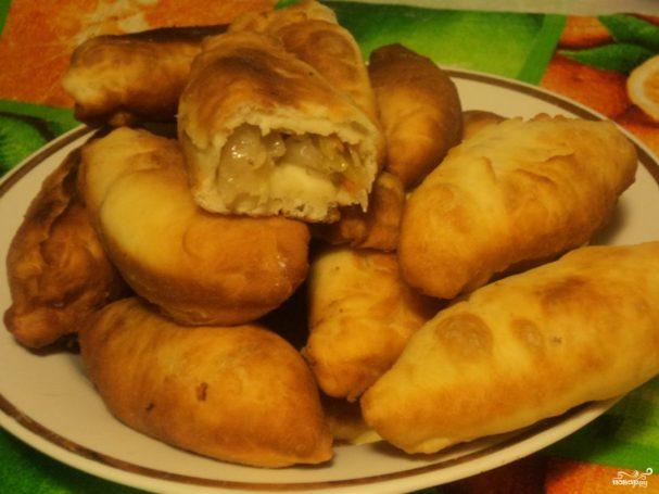 Пирожки с квашеной капустой жареные