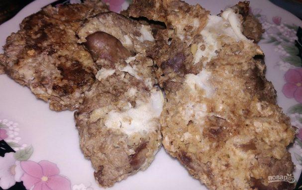 Отбивные из куриной печени в овсяных отрубях