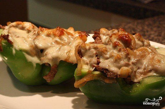 Перец, фаршированный мясом и грибами