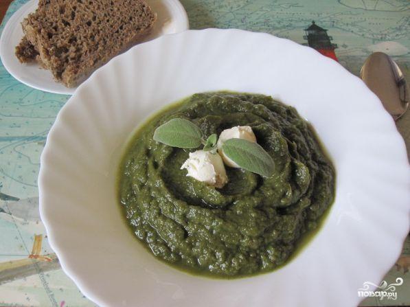 Крем-суп из шпината с сельдереем и капустой