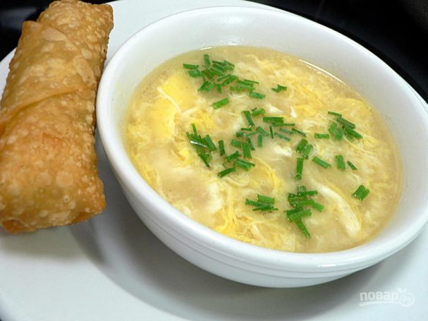 Куриный суп с яйцом