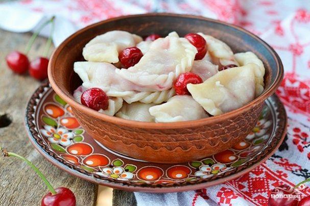 Вареники с вишнями (заварное тесто)