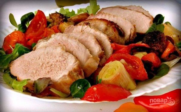 Свинина с овощами в духовке