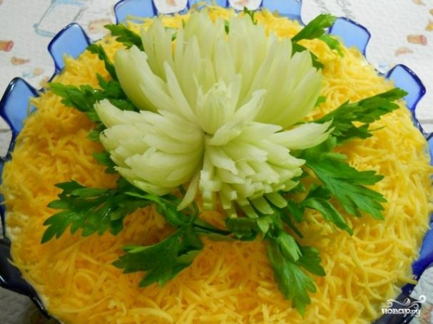 "Салат с курицей ""Хризантема"""