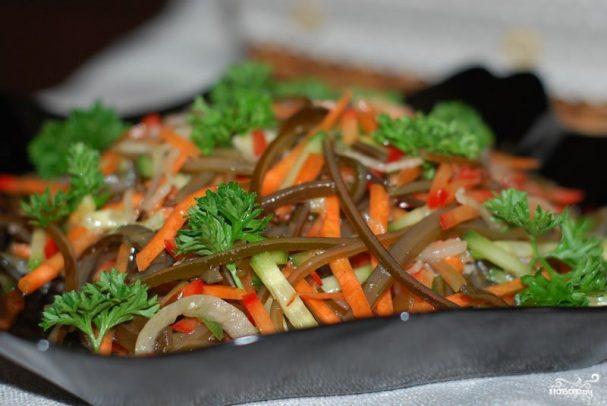 Салат к фаршированным перцам