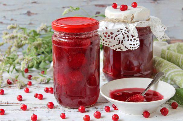 Варенье из клубники с красной смородиной на зиму