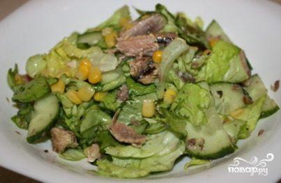 Салат с консервированными огурцами рецепт