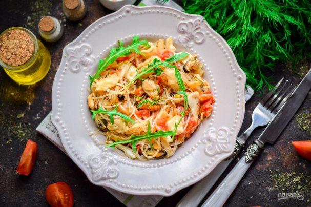 Тайский салат с морепродуктами