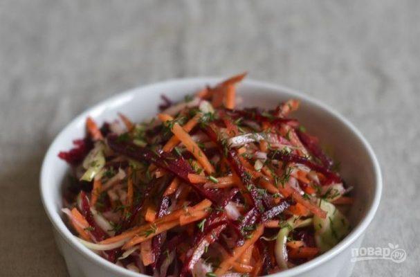 Салат со свежей морковью