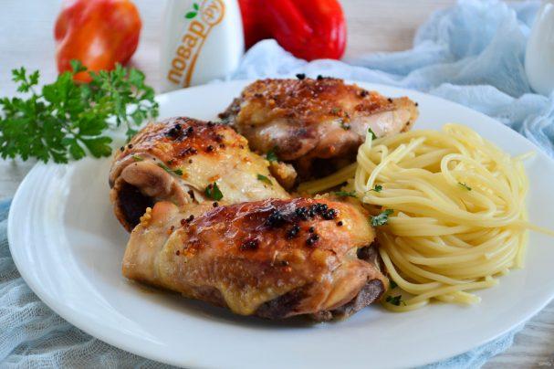 Куриные бедра в духовке в рукаве