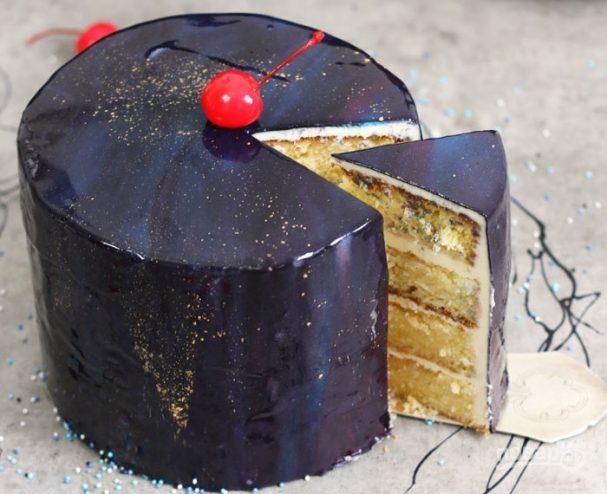 Ванильный торт с зеркальной глазурью