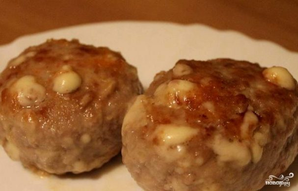 Мясные котлеты с сыром