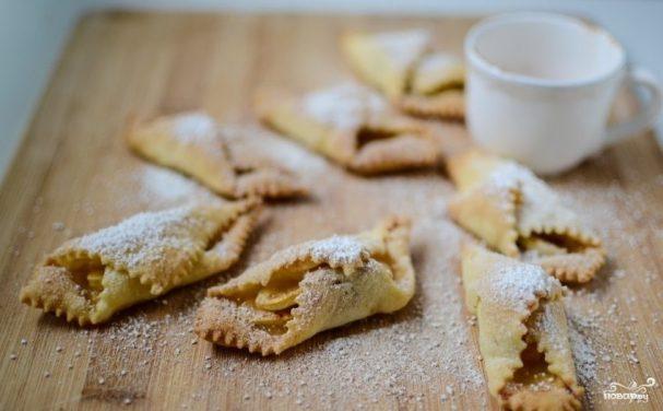 Печенье с яблоками и корицей