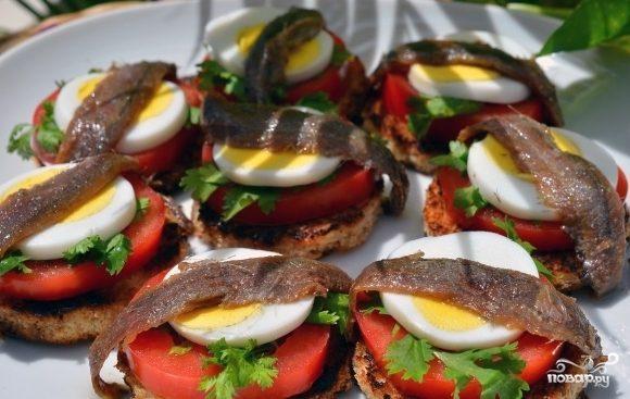 Бутерброды с анчоусами - рецепт с фото на
